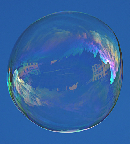 Lyon: Big bubble